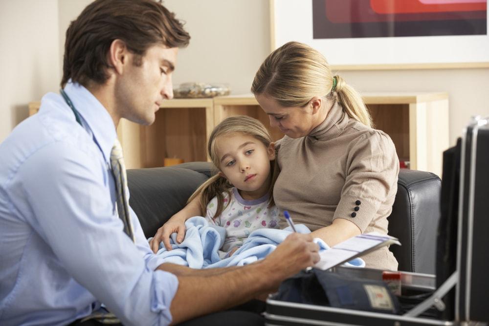 Médecin à domicile : quand faire appel à nos services