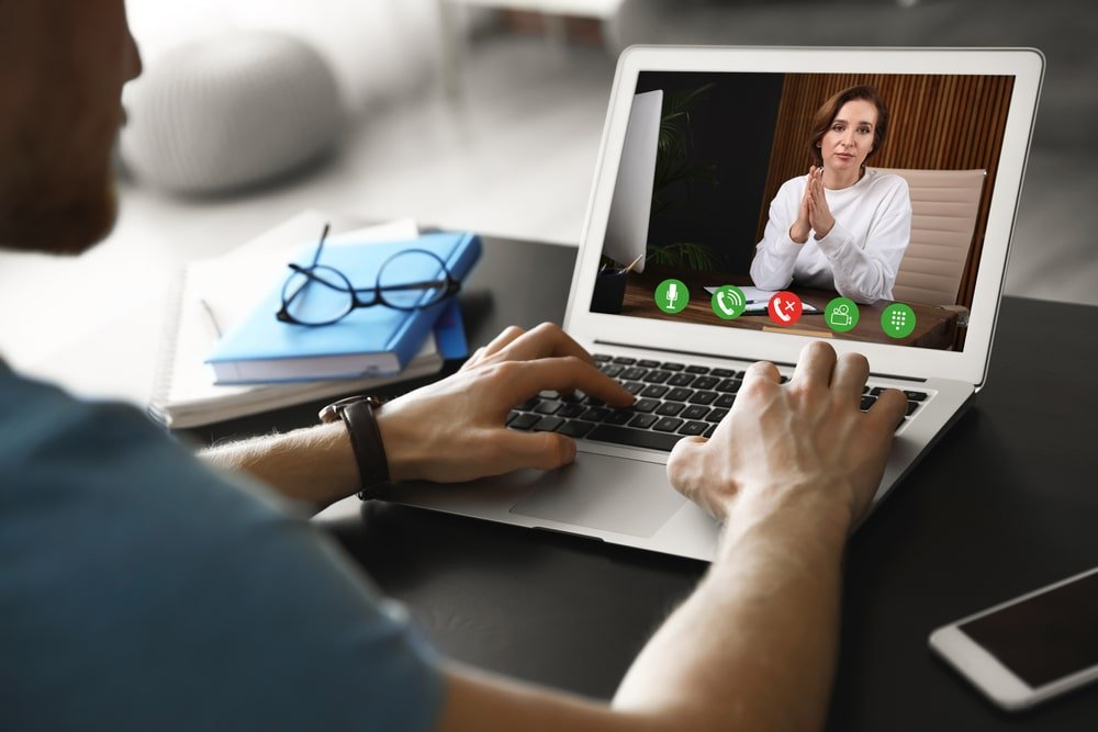 Consultation en ligne en psychologie: 4 avantages